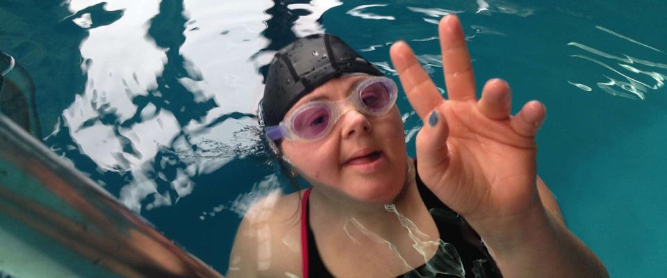 progetto-disabili-nuoto-terapia-lezione-piscina-5-residenza-assistenziale-sanpio-adelfia